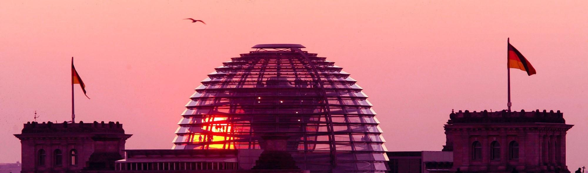 Sonnenuntergang ueber Reichtagskuppel
